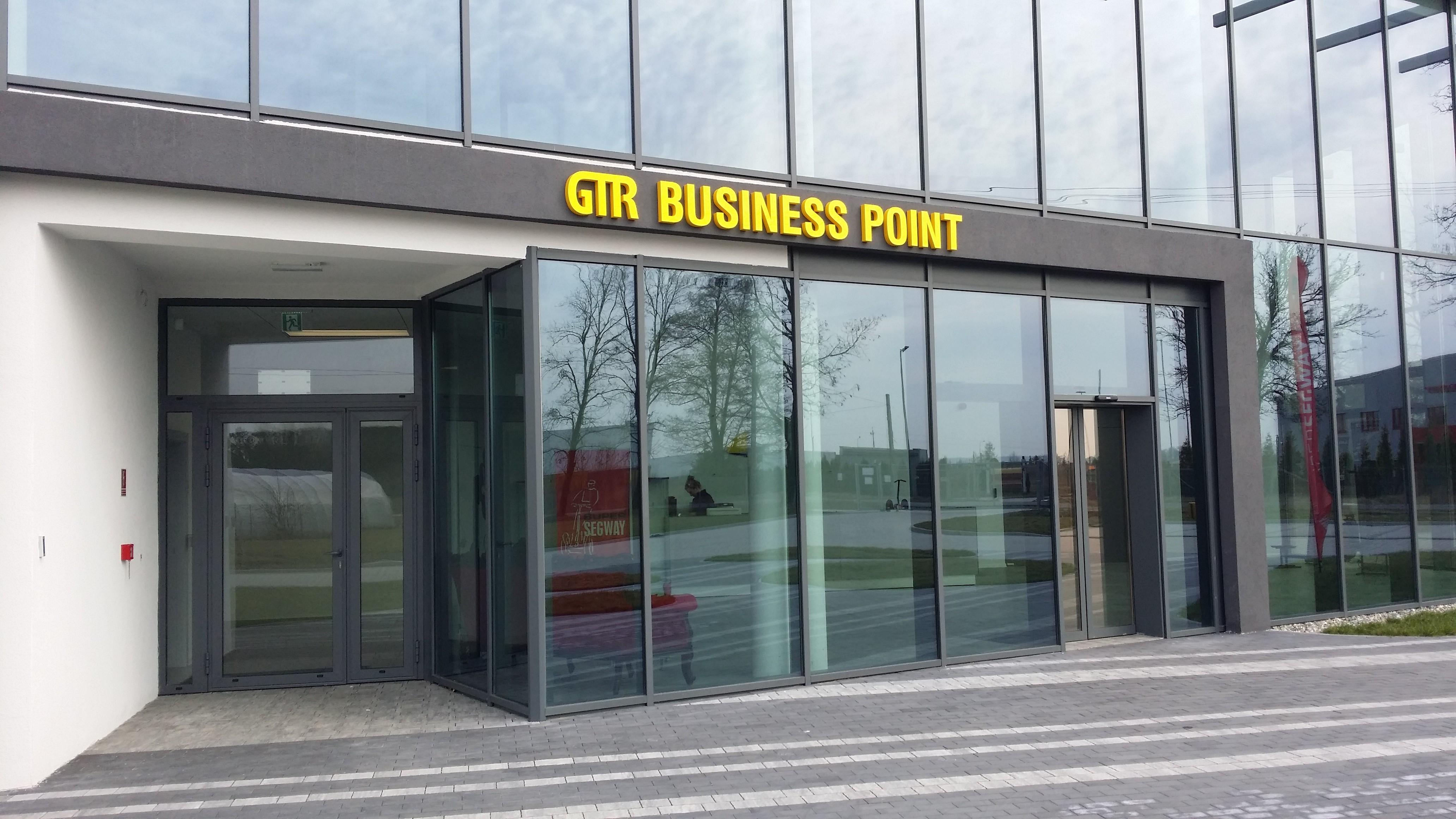GTR-Business-Point-litery-3D